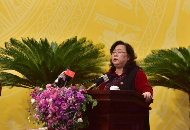 Chủ tịch HĐND thành phố Nguyễn Thị Bích Ngọc phát biểu khai mạc kỳ họp
