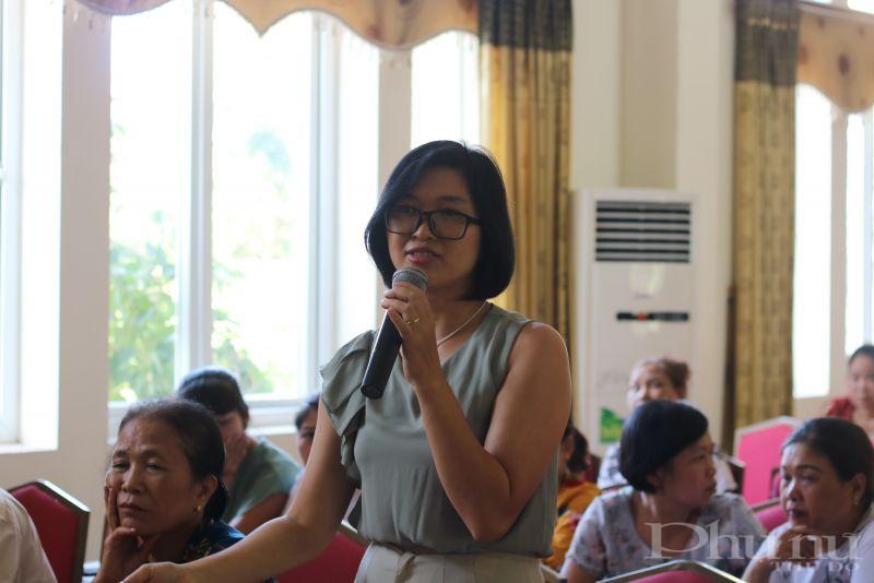 Chị Hoàng Hồng Minh kinh doanh về mảng sổ xố tự chọn Vietlott và Yoga đưa ra những câu hỏi liên quan đến vấn đề giao tiếp nội bộ trong chính công ty mình.