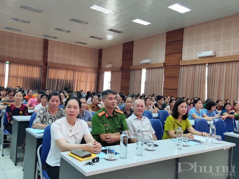 Các đại biểu tham dự lớp tập huấn