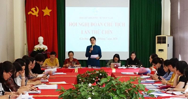 Đồng chí Hà Thị Nga- Bí thư Đảng đoàn, Chủ tịch Hội LHPN Việt Nam phát biểu chỉ đạo hội nghị