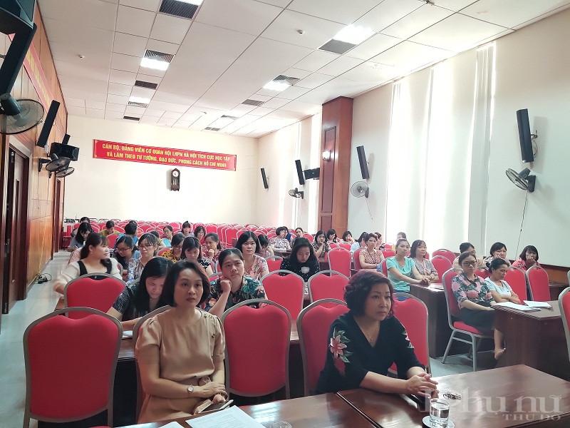 Lãnh đạo, cán bộ cơ quan Hội LHPN tham gia buổi truyền thông