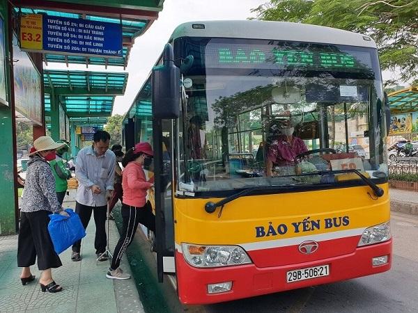 Hàng nghìn thẻ đi xe buýt miễn phí đã được cấp cho người lao động.