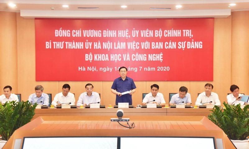 Bí thư Thành ủy Hà Nội phát biểu tại buổi làm việc.