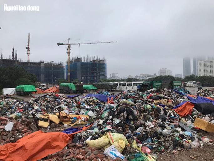 Hà Nội chỉ đạo nhiều vấn đề liên quan đến bãi rác Nam Sơn.