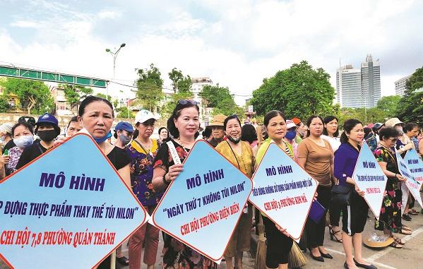 """Các cấp Hội LHPN quận Ba Đình với nhiều mô hình thực hiện phong trào """"Chống rác thải nhựa"""""""