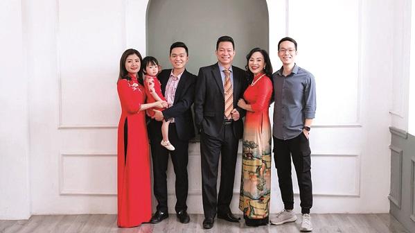 Cô giáo Minh Hải có gia đình đầm ấm, hạnh phúc, các con thành đạt