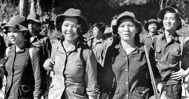 Những cô gái thanh niên xung phong một thời chống Mỹ cứu nước.