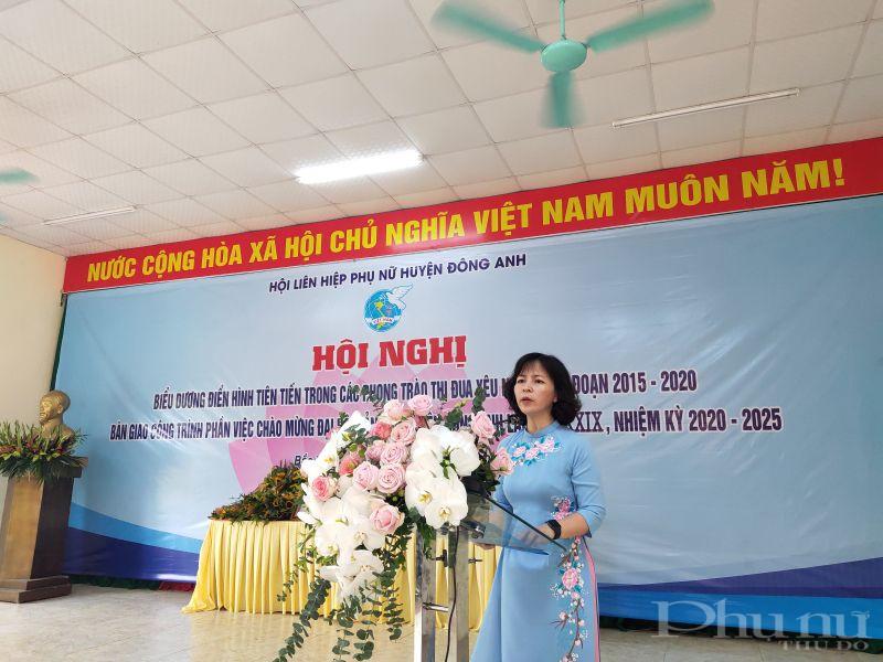 Đồng chí Nguyễn Thị Thanh Tâm- Chủ tịch Hội LHPN huyện Đông Anh phát biểu tại hội nghị
