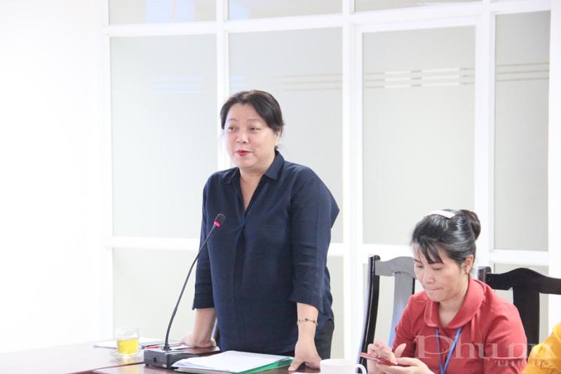 Đồng chí Nguyễn Thị Thu Thủy - Bí thư Đảng ủy, Phó Chủ tịch Thường trực Hội LHPN Hà Nội phát biểu chỉ đạo tại Hội nghi sơ kết 6 tháng đầu năm của Chi đoàn.