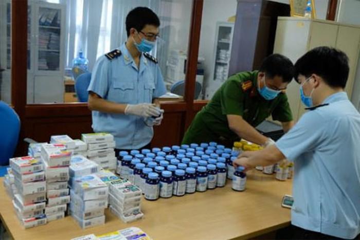 Cục Hải quan Hà Nội phối hợp cùng các đơn vị nghiệp vụ của Bộ Công an và CATP Hà Nội phá chuyên án, bắt nhómnghi phạmvận chuyển 19 kg ma túy từ Đức về Việt Nam ở Sân bay Nội Bài