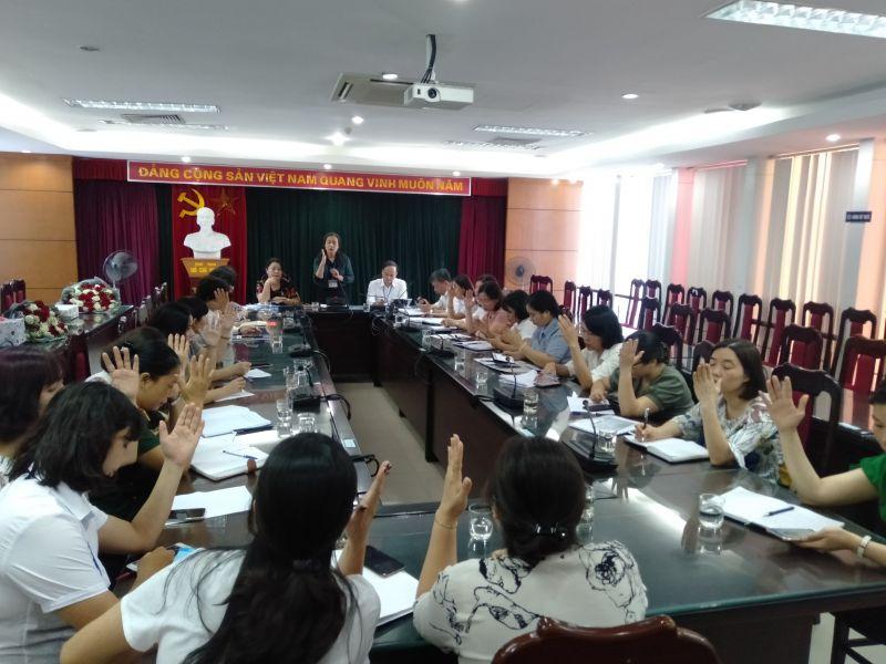 100% các đại biểu đồng ý bầu đồng chí Đào Thu Hải giữ chức vụ Chủ tịch Hội Liên hiệp phụ nữ quận Long Biên khóa 3 nhiệm kỳ 2016-2021