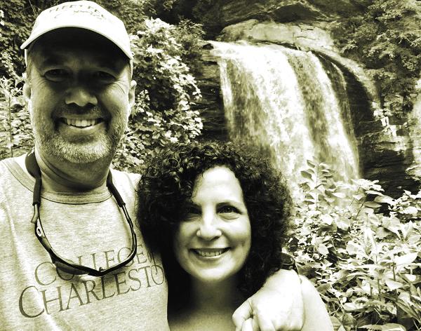 Bà Deborah Cohan đã yêu ông Mike Robertson ngay từ cái nhìn đầu tiên