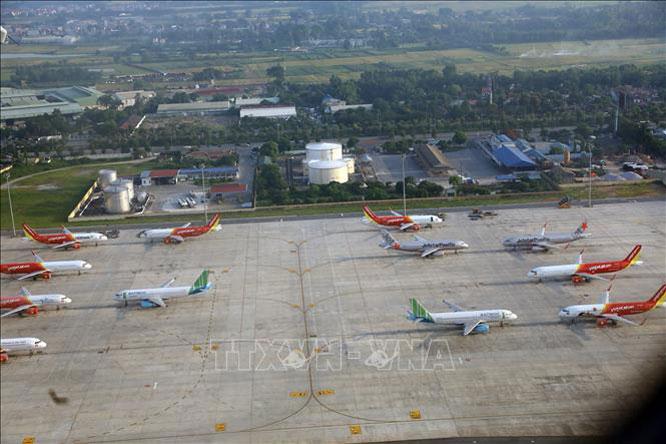 Huy động tối đa các chuyến bay đi, đến Đà Nẵng để giải tỏa hành khách. Ảnh: Huy Hùng/TTXVN.