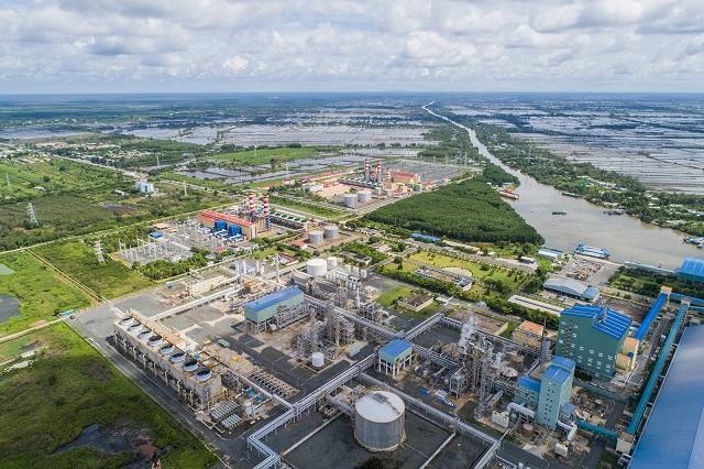 Thi đua hoàn thành xuất sắc nhiệm vụ sản xuất kinh doanh là một trong những nhiệm vụ trọng tâm của ngành Dầu khí (Trong ảnh: Tổng thể cụm nhà máy khí điện đạm Cà Mau).