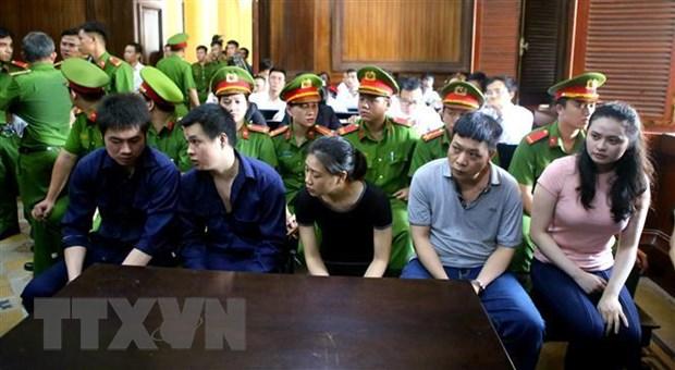 Các bị cáo trong băng nhóm ma túy hầu tòa ngày 7-5-2019. Ảnh: Thành Chung/TTXVN