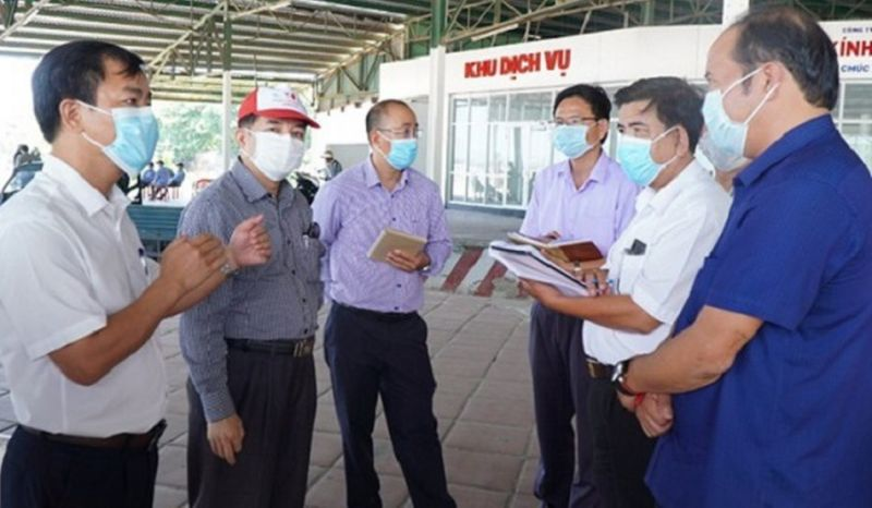 Ông Nguyễn Văn Phương kiểm tra công tác phòng chống dịch tại huyện Phú Lộc
