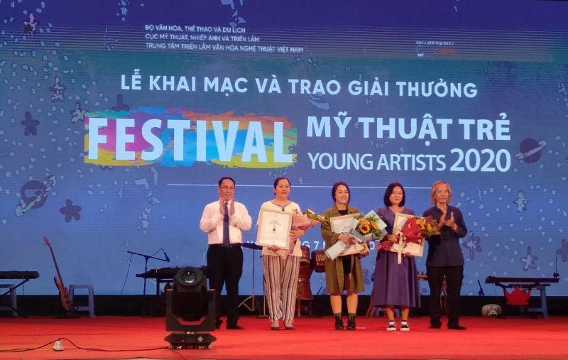 Các tác giả được trao giải Nhì