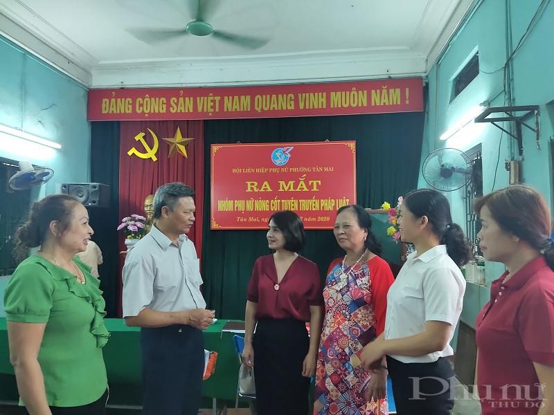 Nhóm phụ nữ nòng cốt tuyên truyền pháp luật do Hội LHPN phường thành lập được lãnh đạo Phường, chính quyền địa phương đồng tình ủng hộ