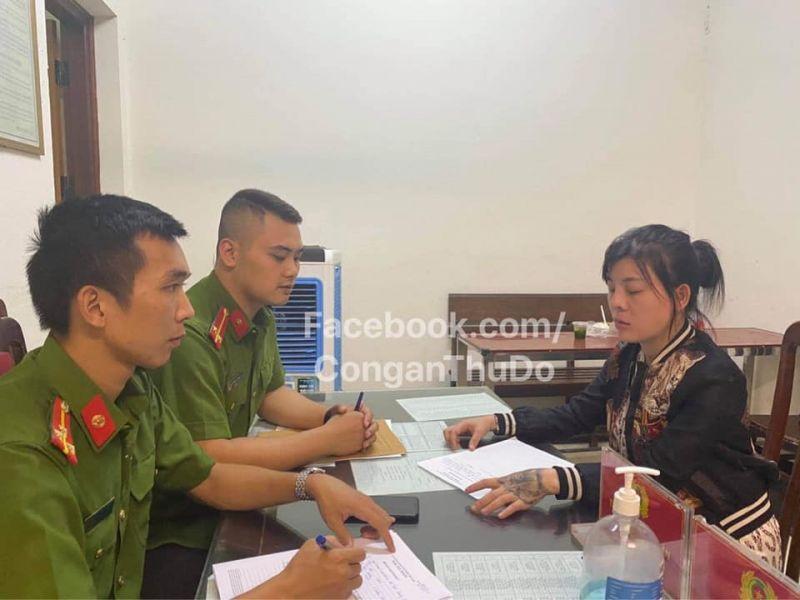 Huỳnh Thị Lan Anh tại cơ quan công an
