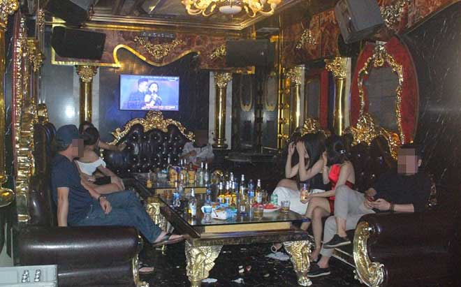 Karaoke, quán bar dừng hoạt động từ 0h ngày 1/8