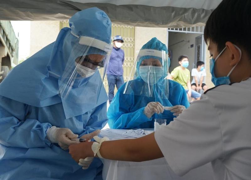 Người dân cần tuân thủ nghiêm các quy định về phòng dịch để hạn chế nguy cơ lây nhiễm Covid-19.