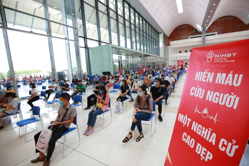 Người tới tham gia hiến máu được bảo đảm giãn cách và tuân thủ đầy đủ biện pháp phòng dịch.