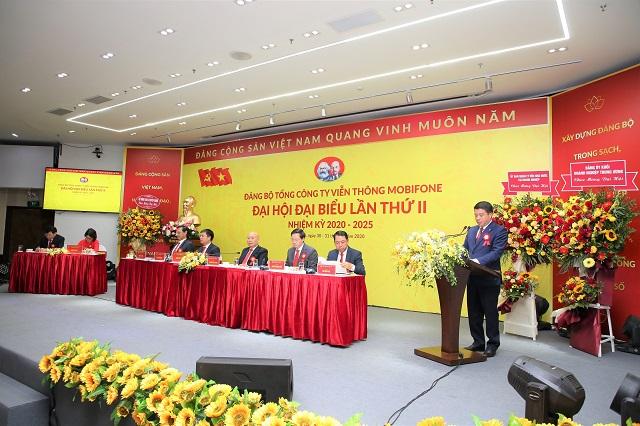 Đồng chí Y Thanh Hà Niê Kđăm - Ủy viên dự khuyết Ban Chấp hành Trung ương Đảng, Bí thư Đảng ủy Khối DNTW phát biểu tại Đại hội.