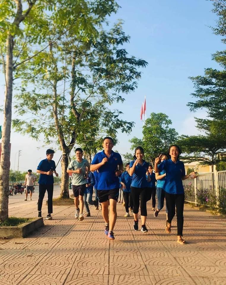 Đông đảo đoàn viên, thanh niên, người lao động tham gia chạy vì cộng đồng