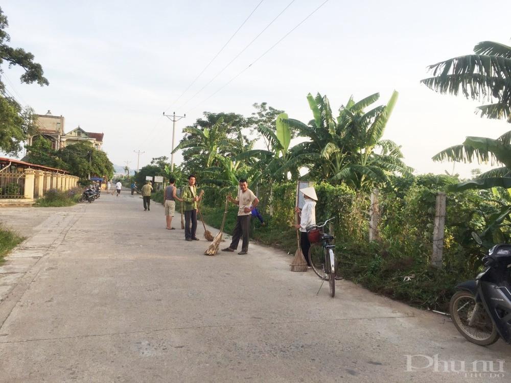 Những con đường nhỏ hẹp ở xã Thuần Mỹ (Ba Vì, Hà Nội) nay đã rộng rãi, khang trang nhờ lòng dân thuận theo ý Đảng