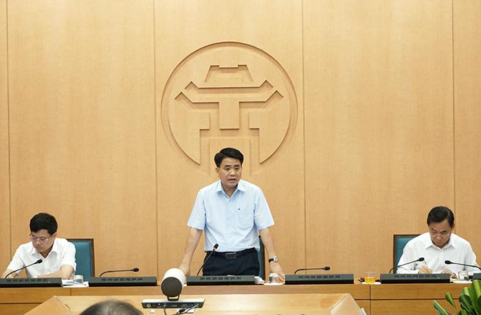 Chủ tịch TP. Hà Nội Nguyễn Đức Chung chỉ đạo cuộc họp.