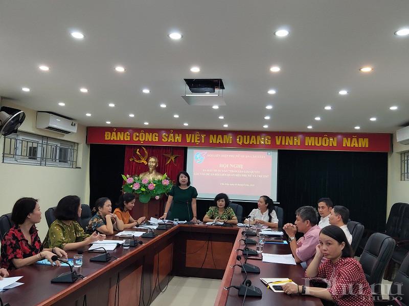 Đồng chí Nguyễn Kim Lê - Phó Chủ tịch Hội LHPN quận Cầu Giấy, Tổ trưởng Tổ tư vấn