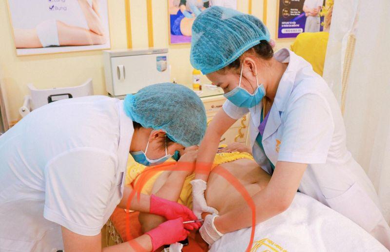 Mặc dù chưa được cấp Giấy phép hoạt động khám bệnh, chữa bệnh, thế nhưng tại TMV Thảo Vy vẫn diễn ra việc tiêm (xâm lấn)