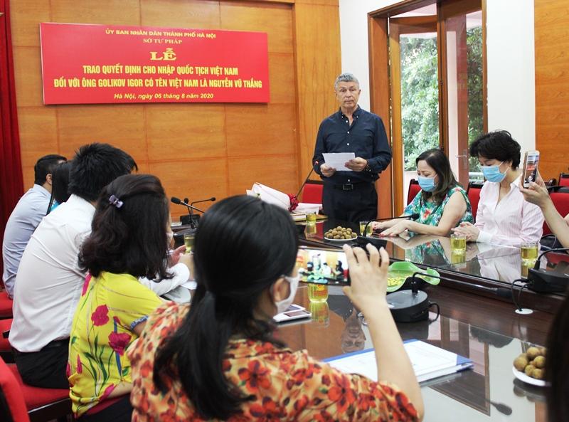 Ông Nguyễn Vũ Thắng chia sẻ rất vinh dự khi được nhập quốc tịch Việt Nam