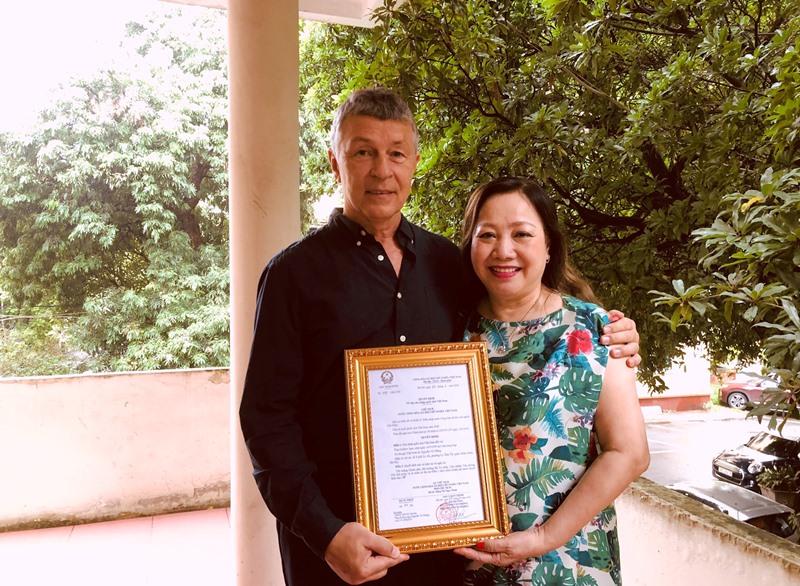 Vợ chồng ông Nguyễn Vũ Thắng
