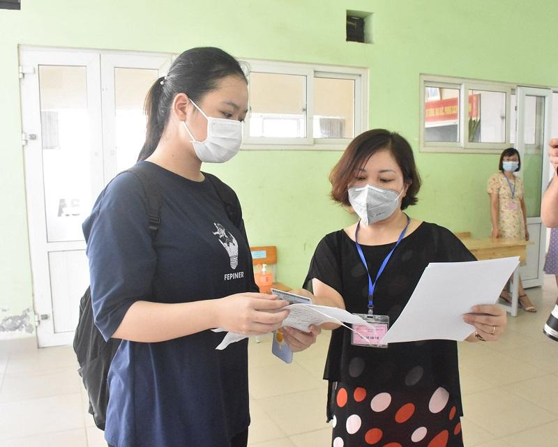 Các thí sinh được hướng dẫn kiểm tra thông tin