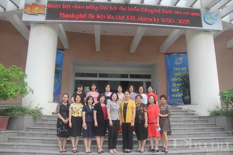 Đồng chí Hà Thị Nga- Bí thư Đảng đoàn, Chủ tịch Hội LHPN Việt Nam đến thăm và làm việc với Hội LHPN Hà Nội