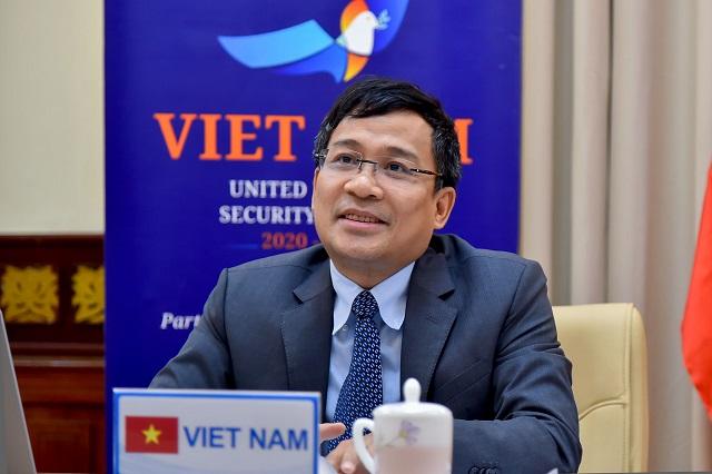 Thứ trưởng Bộ Ngoại giao Việt Nam Nguyễn Minh Vũ phát biểu tại hội nghị.