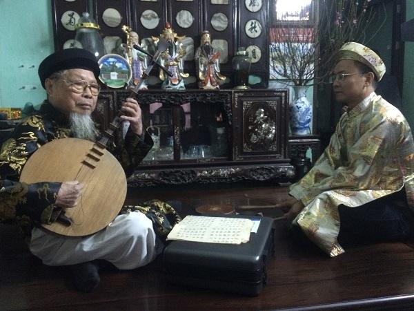 Nghệ nhân hát văn Hoàng Trọng Kha và học trò