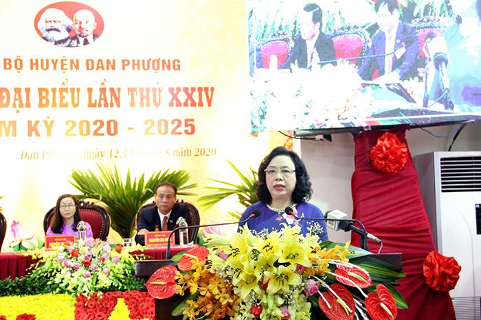 Phó Bí thư Thường trực Thành ủy Ngô Thị Thanh Hằng phát biểu tại Đại hội