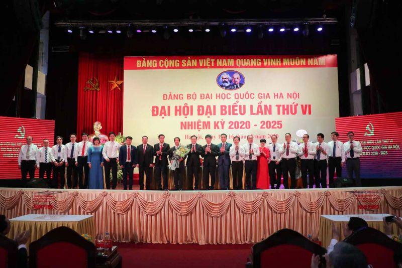 Ban Chấp hành Đảng bộ ĐHQGHN khóa VI ra mắt đại hội