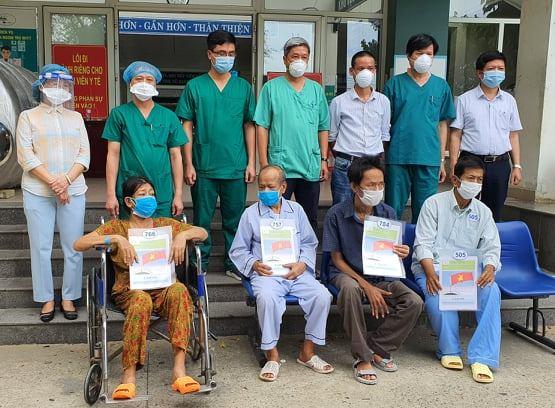 4 bệnh nhân chạy thận nhân tạo được TTYT Hòa Vang (Đà Nẵng) công bố khỏi bệnh trong ngày 18/8.