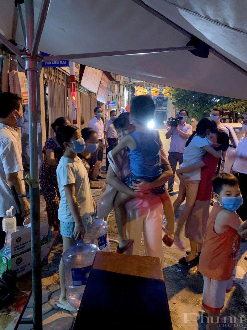 Trong thời gian tới quận Bắc Từ Liêm tiếp tục rà soát những người đi về từ Đà Nẵng và các tỉnh thành có dịch ngoài cộng đồng về Quận để thực hiện cách ly nếu chưa đủ 14 ngày