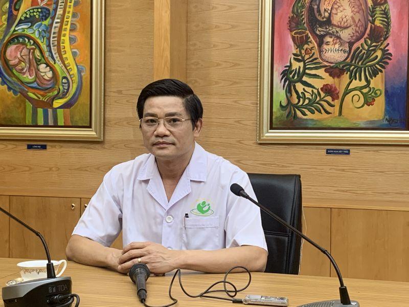 PGS.TS Nguyễn Duy Ánh, Giám đốc Bệnh viện Phụ sản Hà Nội chia sẻ về ca bệnh. Ảnh: VGP/Thuý Hà