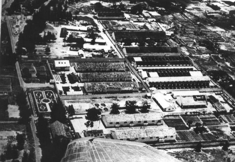 """""""Trường học trên cát"""" tại Trại giam tù binh Phú Quốc"""