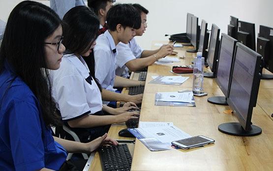 Học trung cấp nghề cũng là một lựa chọn vào đời tốt đối với nhiều học sinh đã hoàn thành chương trình THCS. (Ảnh: học sinh trường Trung cấp Kế toán Hà  Nội)
