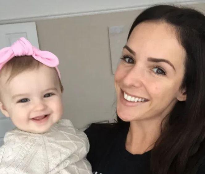 Cô Amanda và con gái Callia. Ảnh: Kennedy News and Media
