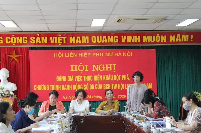 Đồng chí Nguyễn Thanh Cầm - Trưởng ban Chính sách – Luật pháp Hội LHPN Việt Nam phát biểu tại hội nghị