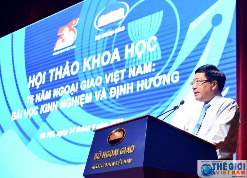 Phó Thủ tướng, Bộ trưởng Ngoại giao Phạm Bình Minh phát biểu khai mạc Hội thảo khoa học 75 năm ngoại giao Việt Nam: Bài học kinh nghiệm và định hướng.