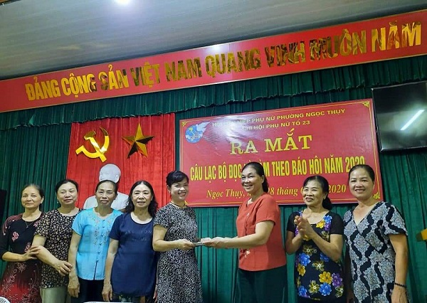 """Hội LHPN phường Ngọc Thụy thành lập CLB """"Đọc và làm theo báo Hội"""""""
