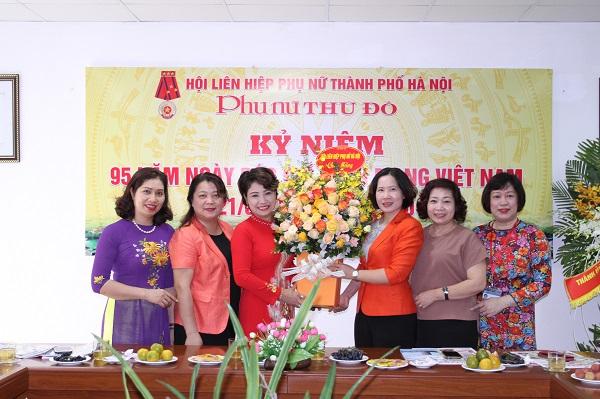 Lãnh đạo Hội LHPN Hà Nội chúc mừng Báo PNTĐ nhân dịp 95 năm ngày Báo chí Cách mạng Việt Nam 21/6/2020